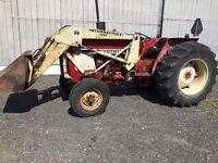 Tracteur inter 684 avec loader