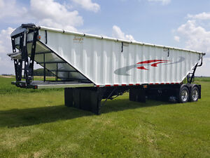 2017 Bergs Tandem 36' Grain Trailer . Loaded !