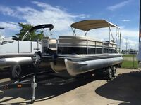 2015 Lowe Boats SF Pontoon 232 XL Privacy