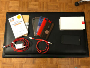 Mint condition OnePlus 5 with accessories