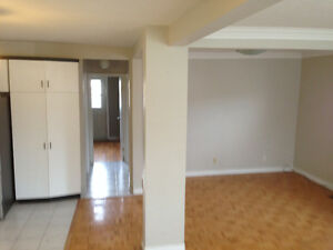 2 Bedroom Markham Thornhill house rental, Yonge and Steeles