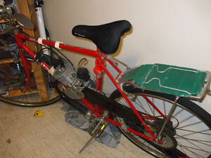 """49cc bike ready to go and """"Giant"""" frame ready to support motor Stratford Kitchener Area image 4"""