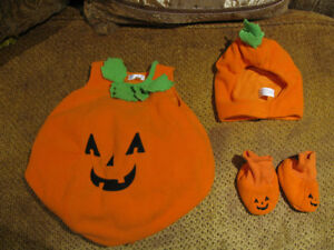 PUMPKIN HALLOWEEN COSTUME FOR TODDLERS/INFANTS 12 MO.