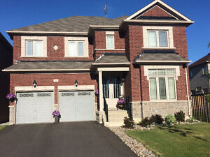 Big, Beautiful, Tastefuly Furnished Richmond Hill Home For Lease
