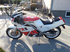 Excellent Condition 1988 Yamaha FZ 600 For Sale