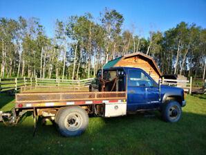 1998 GMC 1 ton flatbed dually truck