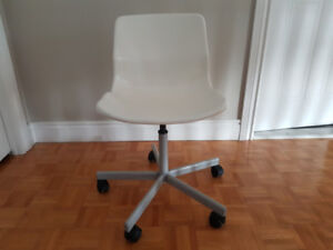 Chaise IKEA  '' Snille''  Blanche