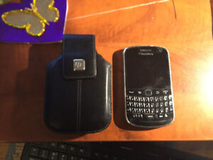 TOUCHSCREEN BLACKBERRY 9900 WITH CASE