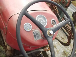 Massey Feruson 50 Gas with P.Steering Sarnia Sarnia Area image 9