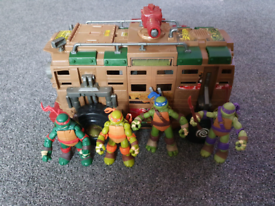 Ninja turtles with turtle van.