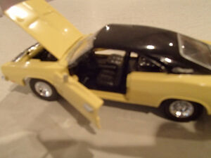 Road Champs 1969 Dodge Charger 1/43 Scale Diecast Car. YELLOW Sarnia Sarnia Area image 7