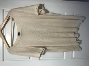 Women's Gap shirt