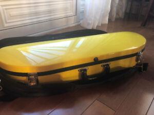 Bobelock Half Moon Yellow 4/4 Violin Case, with Black Over Case