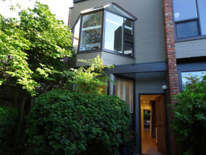 2 bedroom townhouse close to Kits beach