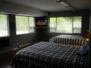 Tahsis Riverside Guest Room for Rent