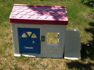 Kids small 1/2 playhouse needs new bolts Kingston Kingston Area image 1