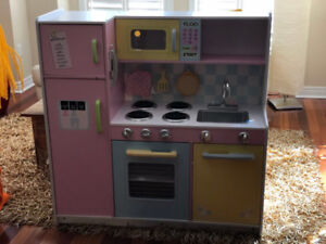 Kid Kraft kitchen for kids