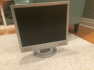 HP VS17 17'' LCD Monitor