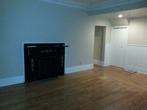 Spacious 2 Bedroom Ground Floor Apartment ***Amherst, NS***