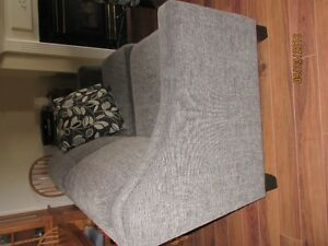 Love Seat and coordinating chair Stratford Kitchener Area image 3