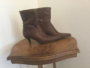 Leather Pikolinos boots