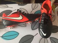 Nike Size 4 football boots in mint condition