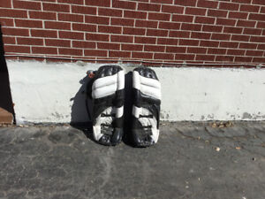 """Old goalie pads are 30"""" hight"""