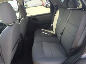 2005 FORD ESCAPE XLT * AWD * PREMIUM CLOTH SEATING London Ontario image 12