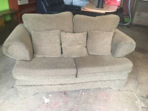 Beautiful Sofa Drop Off Included