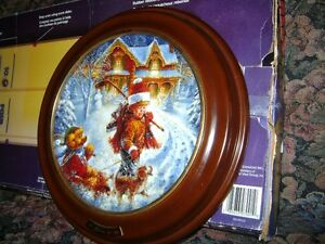 BEAUTIFUL FRAMED NUMBERED X MAS PLATE