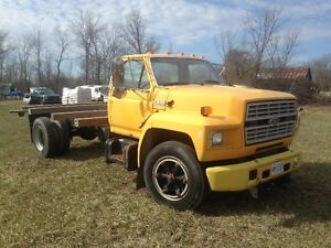 ford F600  5.9 Cummins Aliston auto 59k Orig