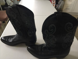 Ladies cowgirl boots