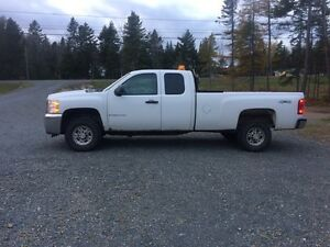2009 Chevrolet 2500 HD with a Fisher 7.5 Storm Guard