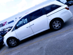 Private sale 2013 low km Honda odyssey ex 8 seat clean title