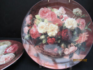 WALL PLATES WITH HANGERS - Roses - set of 2 - NEW!