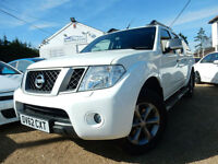 2012 62 Nissan Navara 2.5 dCi Platinum 4dr - FINANCE FROM 4.9%