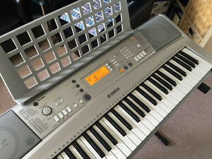 Yamaha YPT-300 Electronic Portable Keyboard includes Stand Kawartha Lakes Peterborough Area image 1