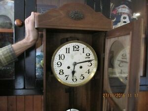 + Old Clock with Windup Key + London Ontario image 2