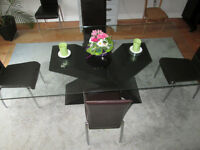 Table SAM en Verre + 8 Chaises / Glass Top Table + 8 Chairs