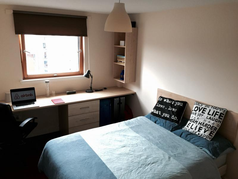 1 Bedroom Student Flat At Campus Apartments Available 1st July