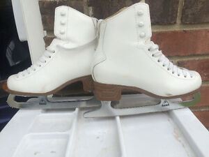 Jump quality skates girls size 3.5