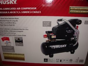 husky 3 gal. Portable Electric oil lubricated Air Compressor