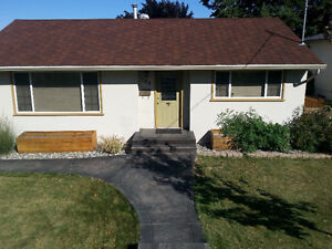 Adorable South Shore home for rent May 1st