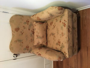 Arm chair in excellent condition