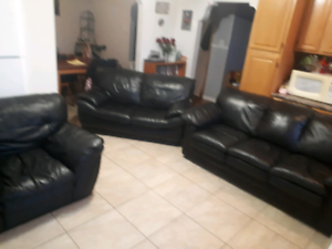 Black Leather Living Room Set **Delivery Included