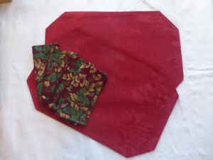 2 Red Place Mats with 4 cloth napkins