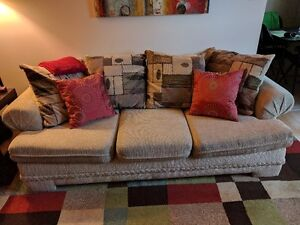Couch/Sofa (Best Offer)