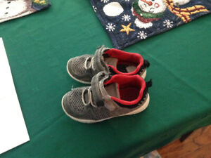 Toddler boys boots and a pair of sneakers, size 8 and 9