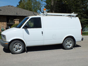 ASTRO AWD CARGO WORK VAN - TRADESMAN READY - EXCELLENT CONDITION