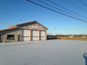 Garage commercial à louer, sortie 6, autoroute 20 ( HWY 401 Ont)